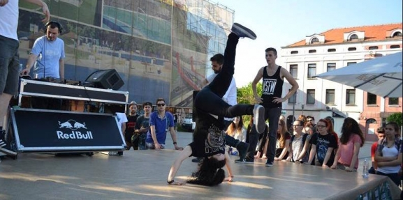 Break, dance i hip-hop radionce i nastupi plesne grupe Dirty Angels